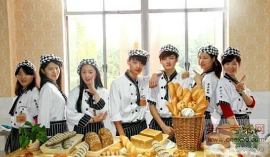 长沙新东方排名初中:学院初中民办学西点的烹饪女生武汉毕业2015图片